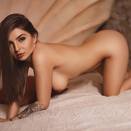 Angel Rumänien liebes zärtliches Girl, liebt es von hinten rangenommen zu werden