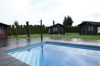 Außenbereich mit XXL-Pool