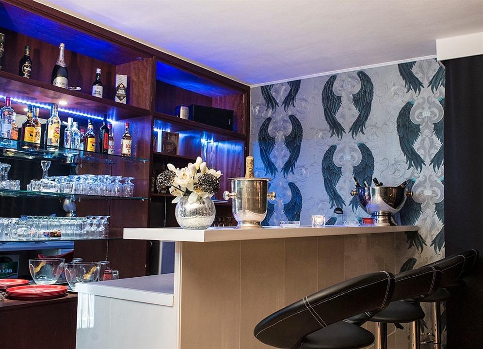 Partyclub König Barbereich
