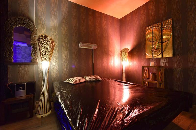 azjatyckie salony masażu seks czarna grupa seks lesbijski