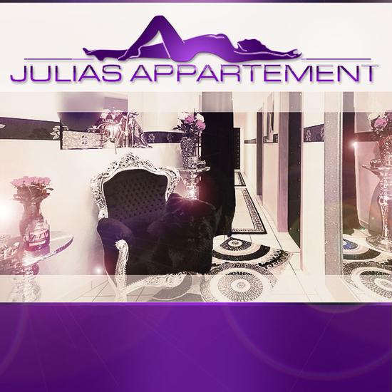 Julia's apartment is looking for pretty models (18+)