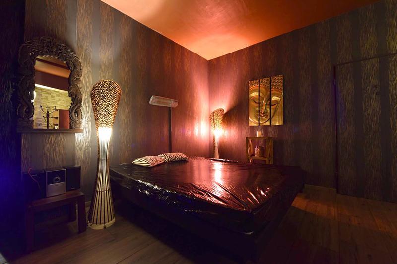 Masszázs szoba szex